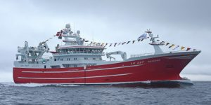 The 82m Serene steaming at 14 knots past Muckle Fladdicap, east of Whalsay.