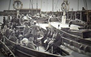 Passengers ready for a sail on Speedwell.