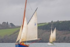 Boy Willie leads Three Sisters back upwind to start another drift upriver.