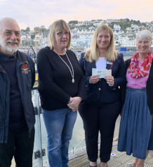 Brixham fishmarket tours net almost £5,000 for Mission