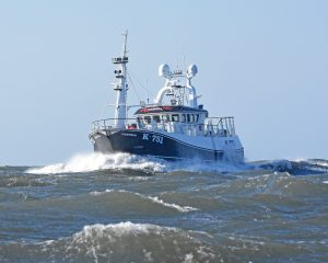 The Orkney vivier-crabber Carvela approaching Whitby from Teesside in rapidly freshening weather.