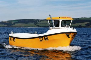 First from the B19 mould, the Golden Sceptre began its work with Manx skipper Neil Watterson.