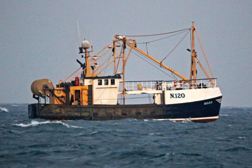 Action from start of Isle of Man king scallop fishery
