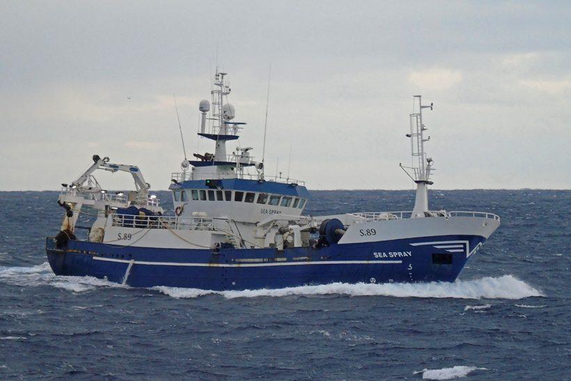Boat of the Week: Sea Spray S 89